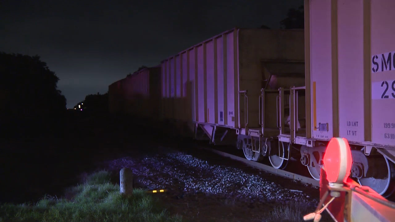 Man lying on South Side tracks hit, killed by train