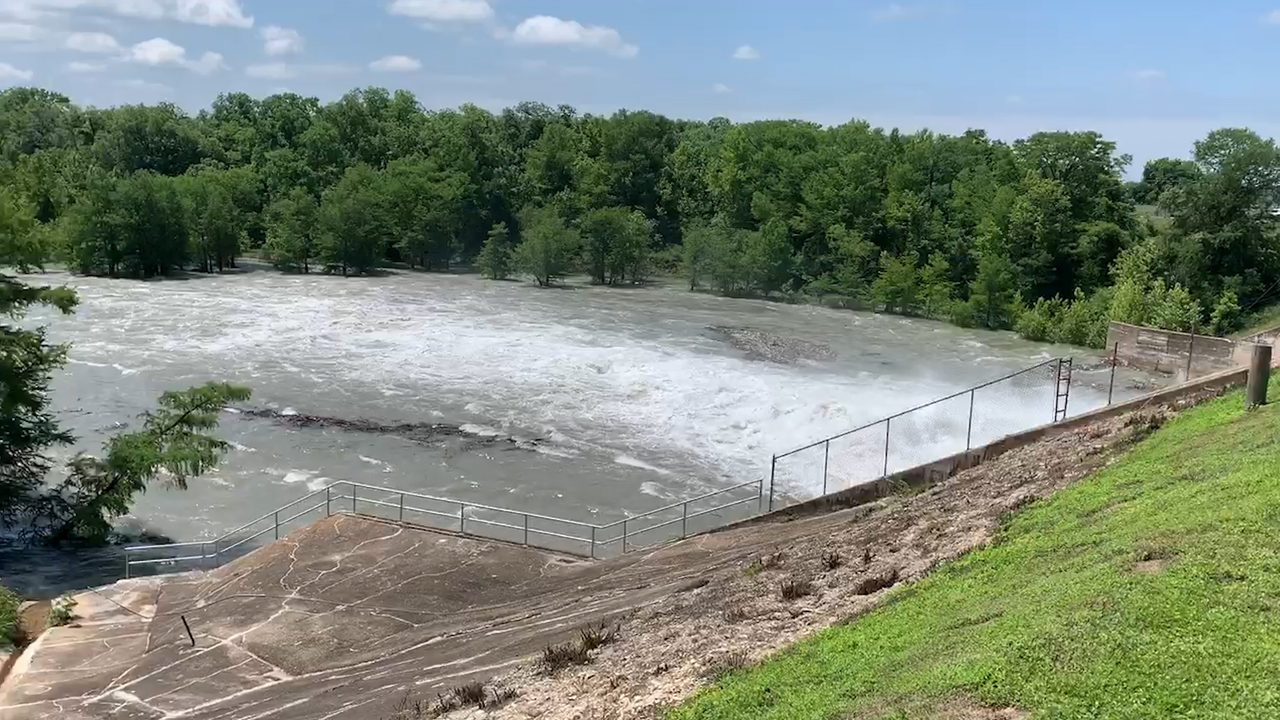 Video Thumbnail For Lake Dunlap Expected To Empty After Partial Dam Failure
