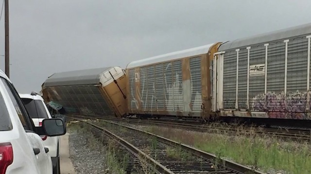 Union Pacific investigating railcar derailment at South Side rail yard