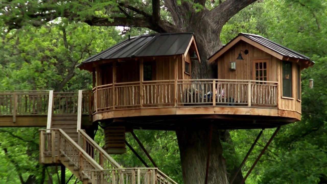 Up In The Trees Luxury Treehouses Offer Unique Experience In
