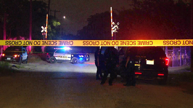 Man hospitalized after being shot in abdomen, police say