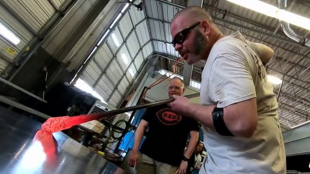 What's Up South Texas!: Glassblowing artist teaches others in community