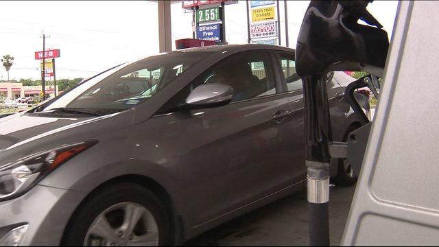 Summer road trips revving up as gas prices slide