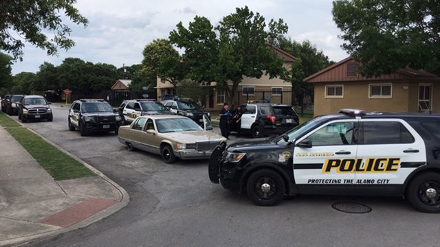 SAPD: 3 juveniles flash gang signs, shoot victim on West Side