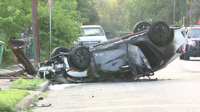 Driver, passenger sought after 2 injured in fiery West Side crash