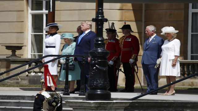 Trump, first lady meet with queen at Buckingham Palace