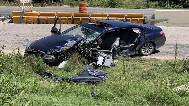 BCSO: Cellphone use by driver causes crash in far South Bexar County