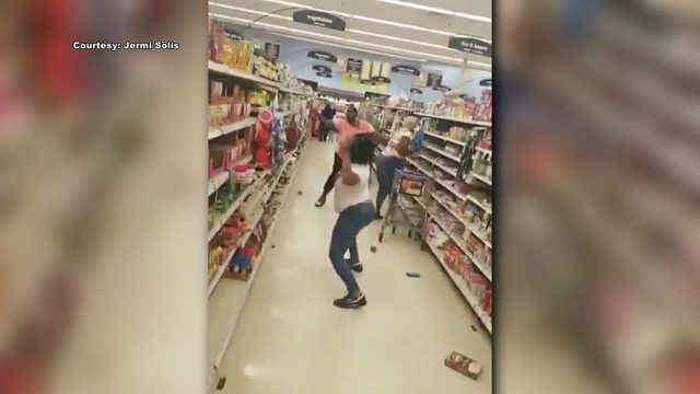 Cans fly during fight at Texas grocery store