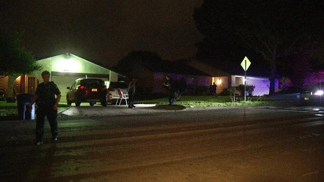 2 teens found shot on far West Side