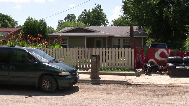 'Just turn yourself in': Neighbor weighs in after 9-year-old girl…