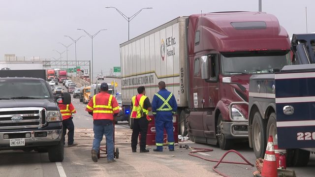 Oil spill shut down westbound lanes of I-10