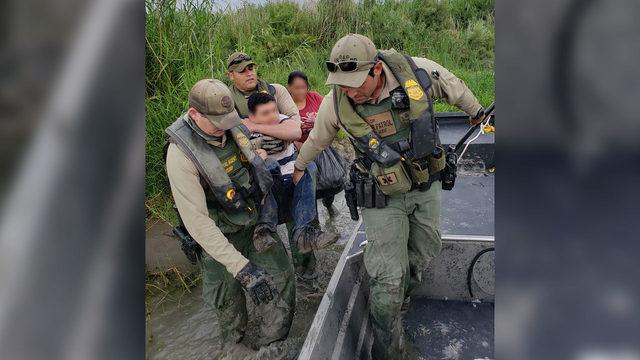 Border Patrol agents rescue special needs teen