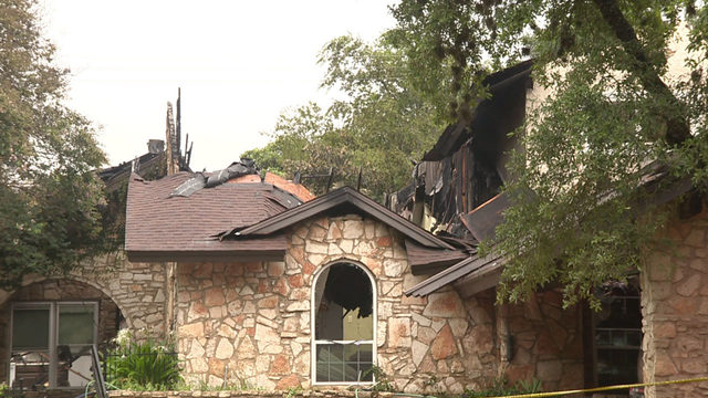 Homeowner praises Castle Hills firefighters after close call