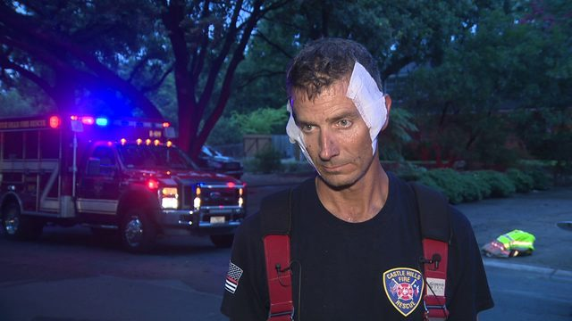 2 Castle Hills firefighters injured while battling house fire