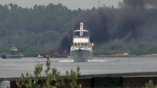 WJXT: 4 rescued from boat burning in waterway