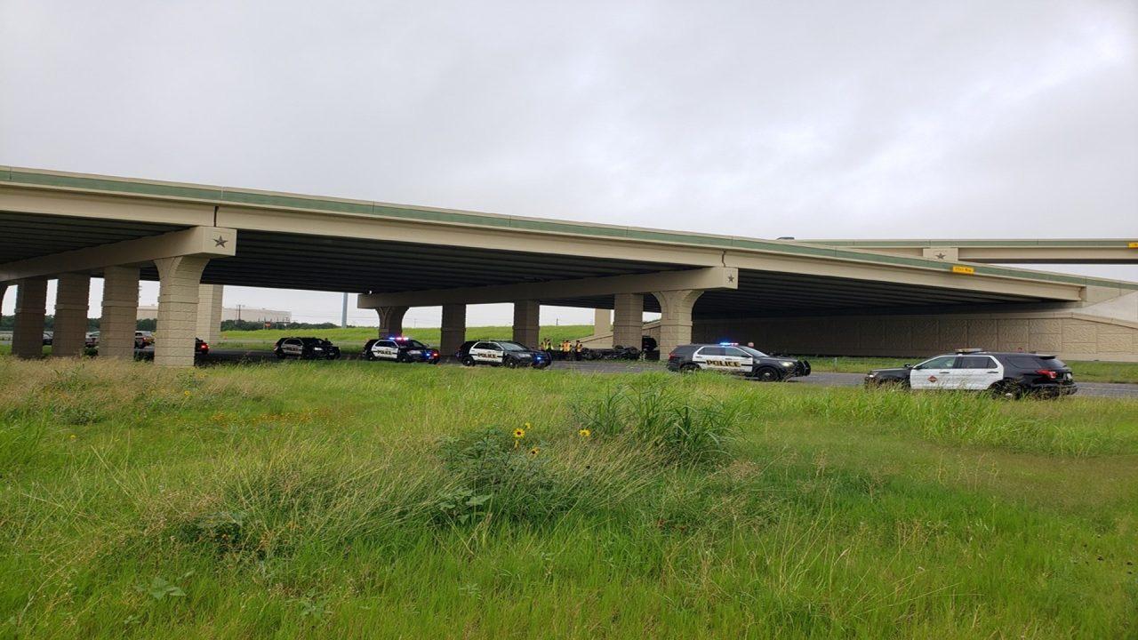SAPD: 1 dead in rollover crash on NB Loop 1604 at Hwy 151