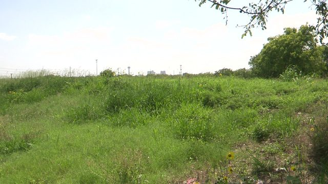 Vacant lots in east and west San Antonio sold to help low-income neighborhoods