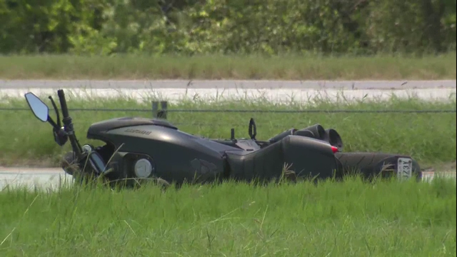 Motorcyclist dead after striking car on Loop 410, witness says