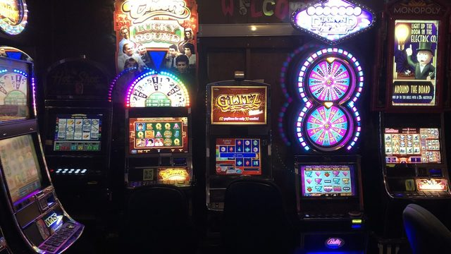 Deputies raid illegal 8-liner gambling operation in South Bexar County