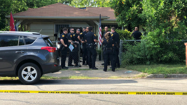 Police investigating after decomposing body found in 'wrecked' house