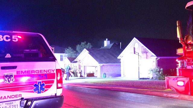 Lightning strike likely cause of house fire in Stone Oak