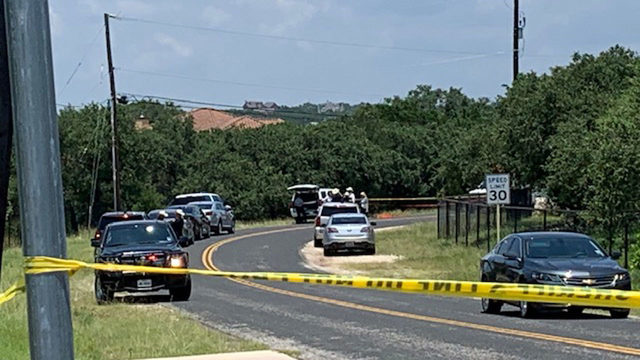 Delivery driver finds body on side of road in North Bexar County