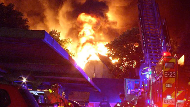 Roughly 100 firefighters work to put out 2-alarm fire on North Side