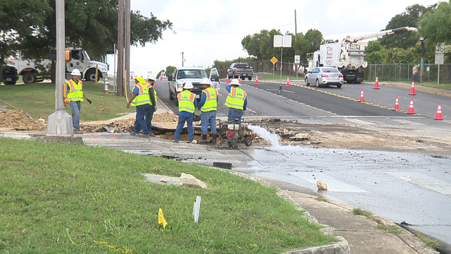 Intersection of Wurzbach Rd., Evers Rd. closed while SAWS crews repair pipe