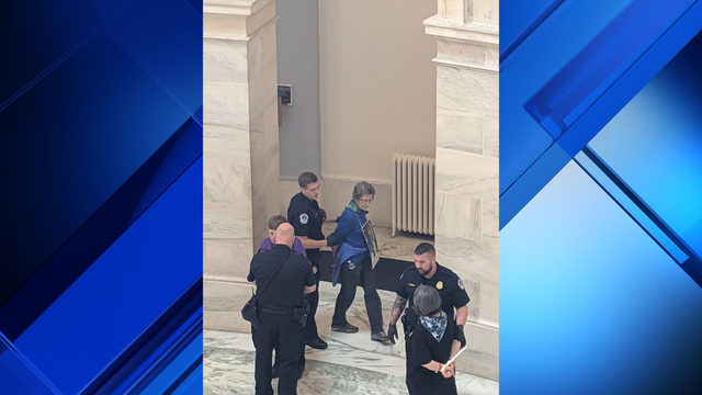 San Antonio nun arrested in D.C. while protesting detention of immigrant…