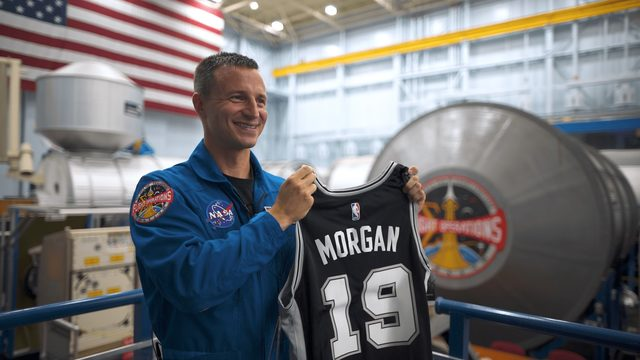Astronaut takes Spurs to new heights, bringing jersey to outer space