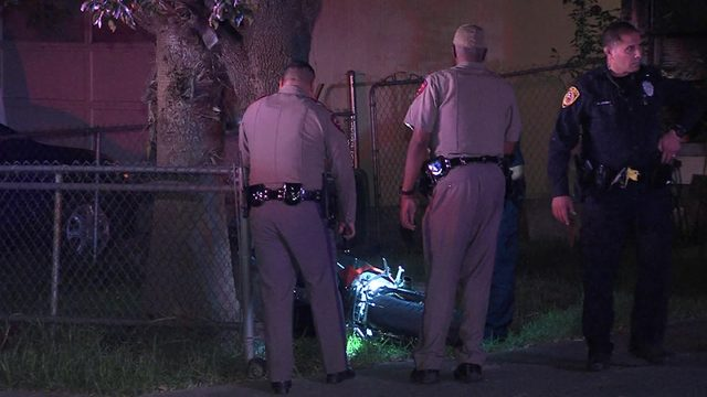 Motorcyclist stops for gas during high speed chase with deputies