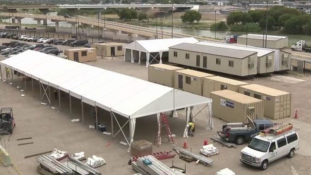 DHS sets up tents in Laredo for asylum hearings despite city property…