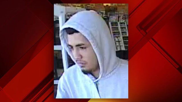 SAPD: Man threatens Family Dollar cashier with handgun, steals cash