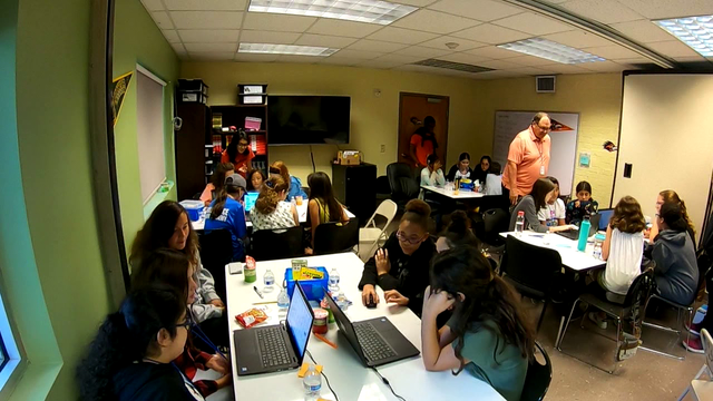 TECH SA: UTSA STEM camp for girls offered on West Side
