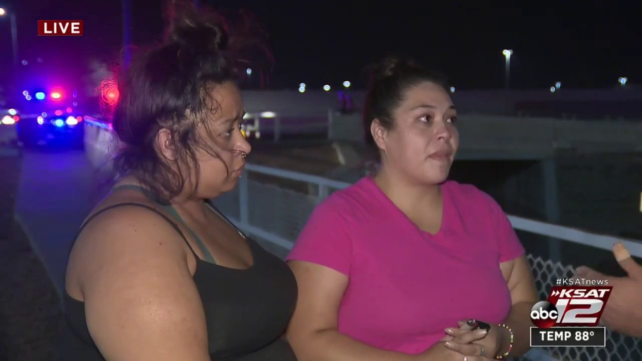 El Paso Residents Setting Up Memorial For Victims Of Mass