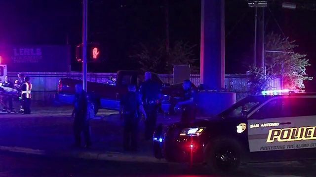 Driver killed after slamming into electrical pole on Southwest Side