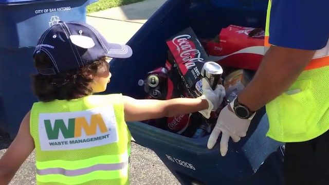 What's Up South Texas!: Garbage boy inspires many to recycle right