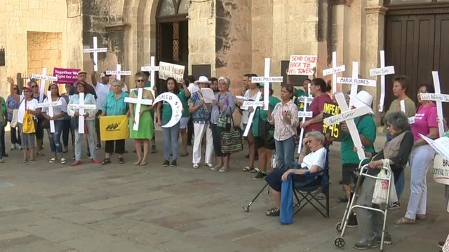 San Antonio holds vigil for victims in El Paso mass shooting