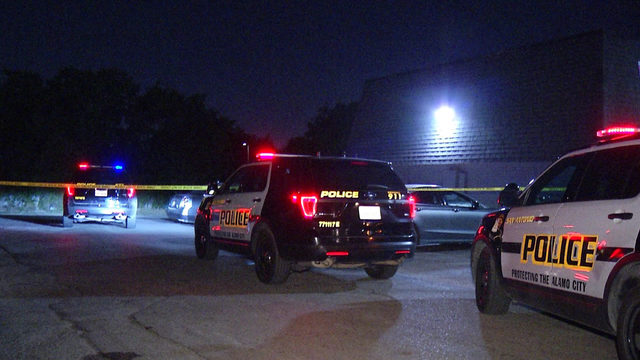 Woman wounded, boy grazed in NE Side apartment shooting, police say