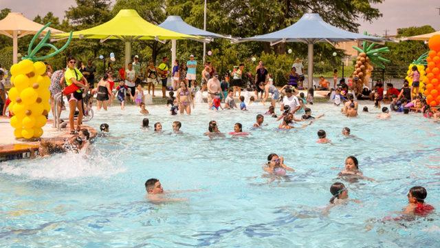 4 additional San Antonio pools extend hours for summer season