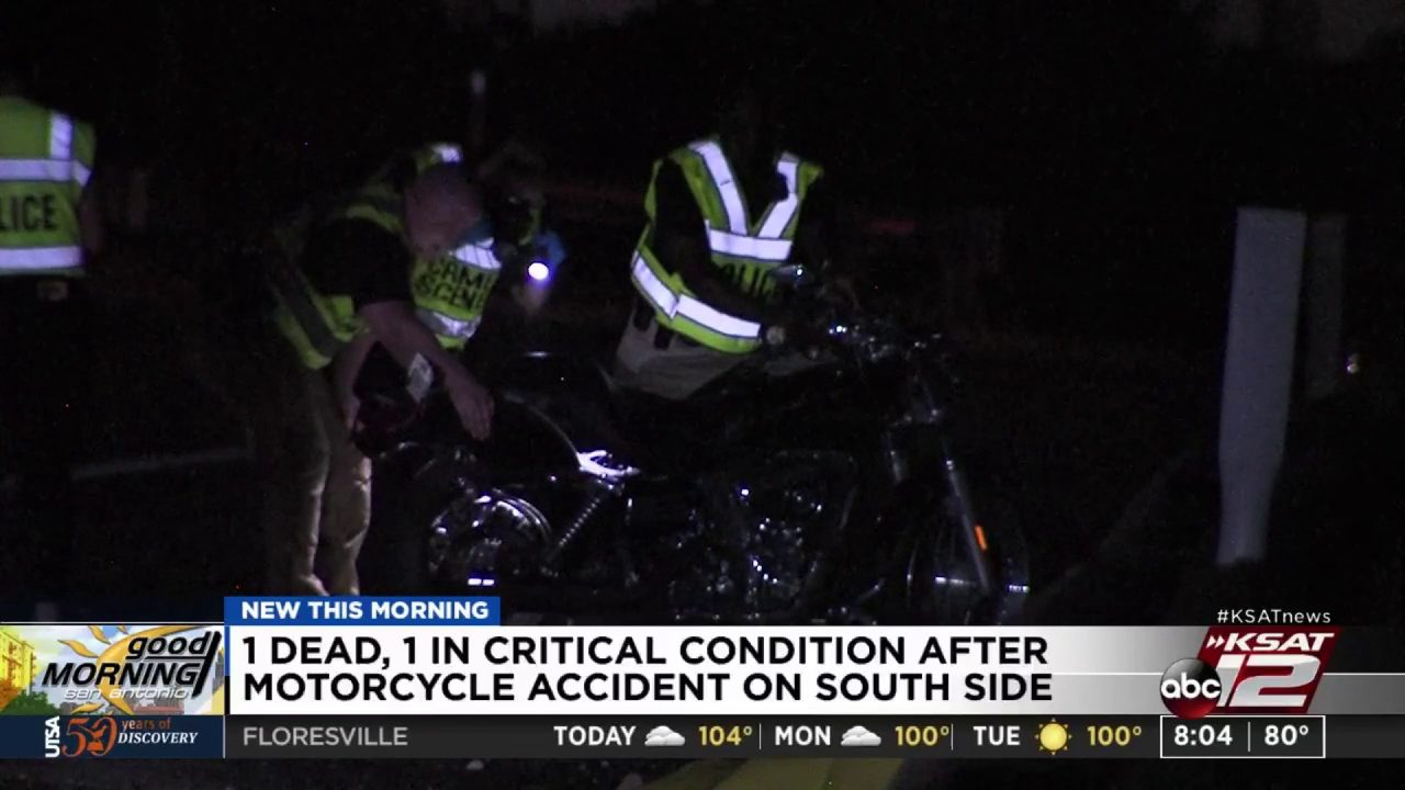 SAPD: One dead in motorcycle crash on I-35/Highway 90