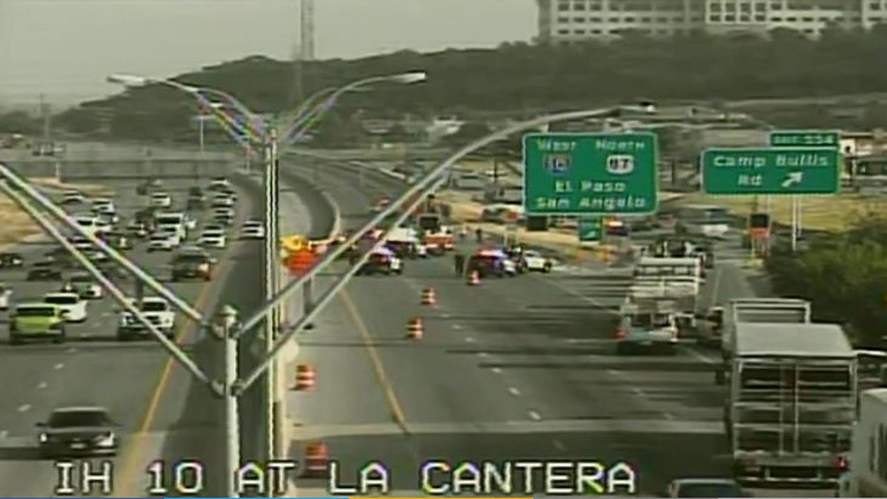 I-10 northbound at La Cantera closed due to 18-wheeler rollover
