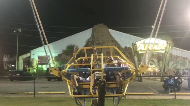 Video shows bungee cord shred as attendant pulls lever on slingshot ride