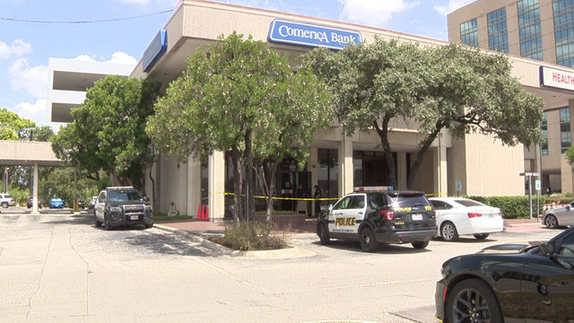San Antonio police foil bank robbery after responding within 1 minute