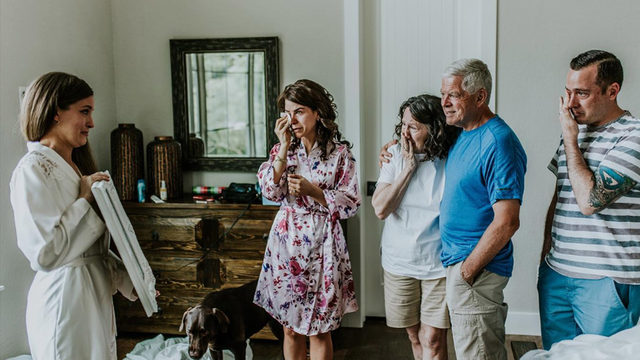 Texas woman's wedding photo shoot with late grandma brings family to tears