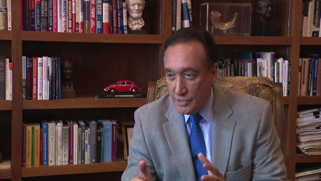 Henry Cisneros to deliver 'difficult' eulogy for former San Antonio…