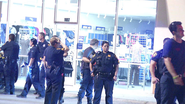 SAPD: 2 men found shot at far West Side shopping center