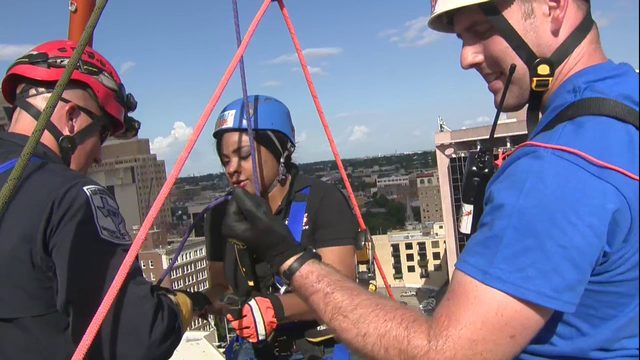 WATCH LIVE: KSAT reporter rappels off downtown building for good cause