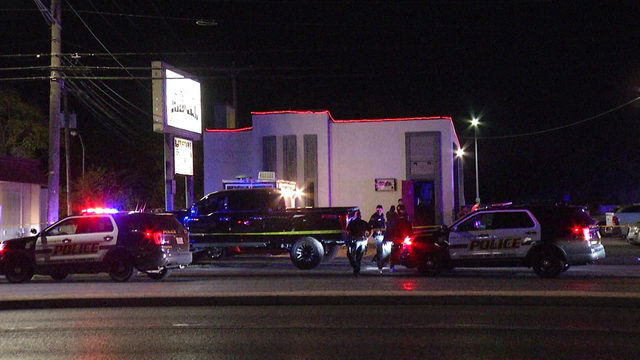 SAPD: Patron, security guard kill each other in shootout outside bar