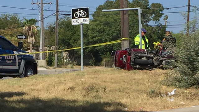 Motorcycle rider dies in Northwest Side crash